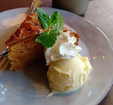 マザームーンカフェの沖縄黒糖バナナケーキ