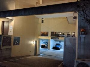 ノイカフェの地下駐車場